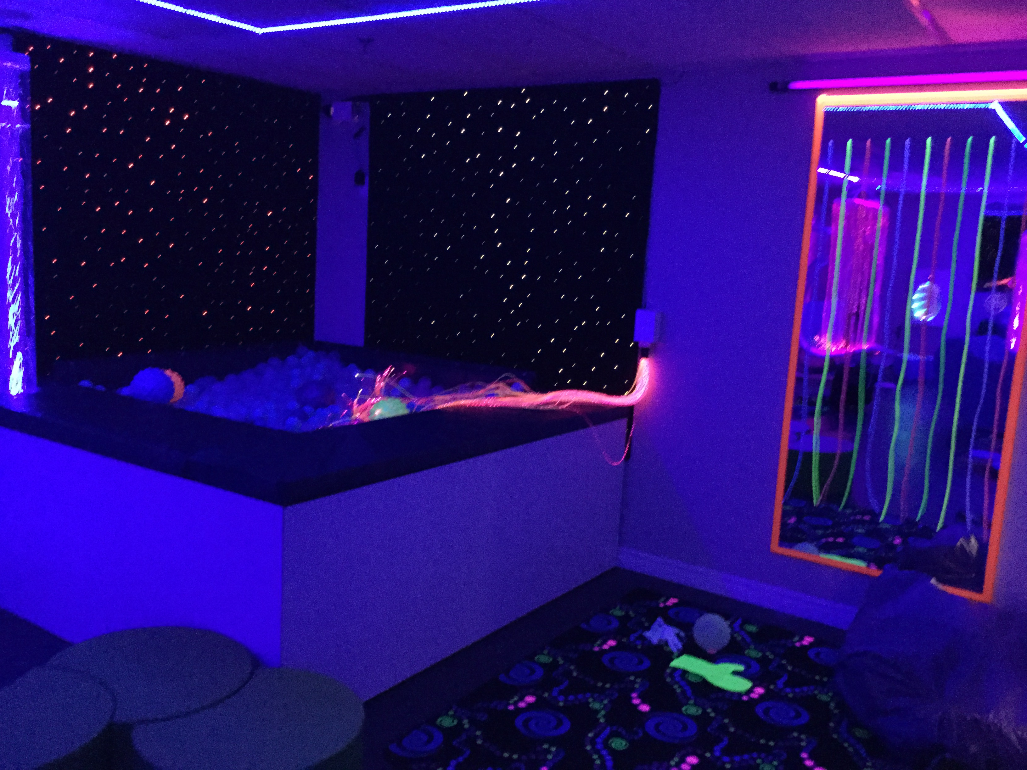 clear balls, fibre optic carpets, uv lights